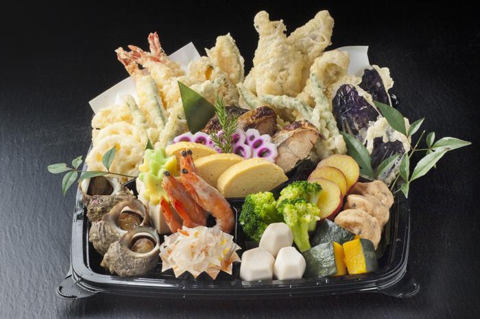 658)天ぷらと煮物の盛り合わせ